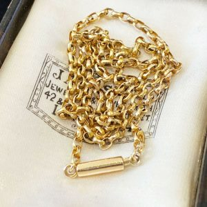 Victorian 9ct, 9k, 375 Gold elongated belcher link chain with barrel clasp,C1895