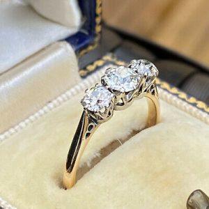 Edwardian, 18ct, 18k, 750 Gold Diamond 1.15ct three stone engagement ring, C1910