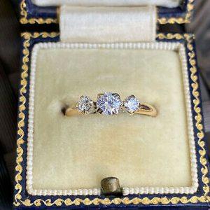 Art Deco 18ct/18k,750 Gold & Platinum Diamond 0.50ct three stone engagement ring