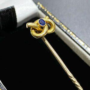 Victorian 15ct, 15k, 625 Gold lovers Knot Sapphire, Stick, tie, cravat pin C1900
