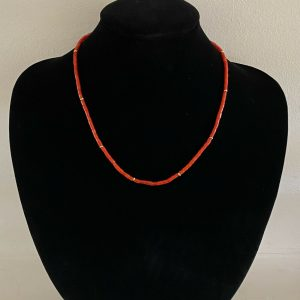 """Pretty 9ct, 9k, 375 Gold Genuine Red Coral beaded necklace, length 17.5""""/44.5cm"""
