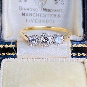 Vintage, 18ct, 18k, 750 Gold Diamond 0.90ct three stone engagement ring, C1980
