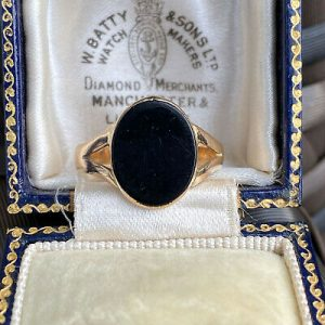 Vintage, 14ct, 14k, 585 Gold Black Onyx signet ring, Circa 1980