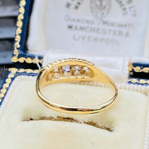 Victorian 18ct, 18k, 750 Gold Old-cut Diamond 0.08ct five stone boat ring C1900