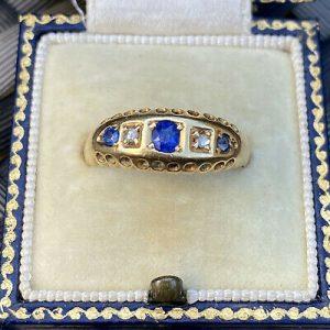 Victorian 18ct, 18k, 750 Gold Old-cut Diamond & Sapphire five stone boat ring