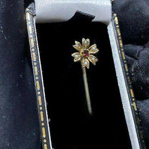 Victorian, 9ct, 9k, 375 Gold Garnet & Pearl flower stick, tie, cravat pin