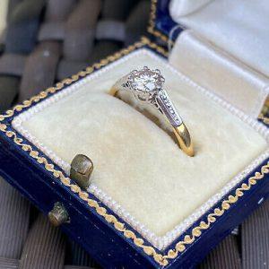 Vintage 18ct, 18k, 750 gold & Platinum, Diamond solitaire 0.40ct engagement ring