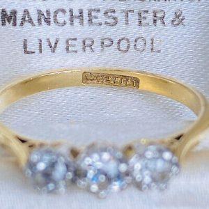 Art Deco 18ct/18k 750 Gold & Platinum Diamond 0.45ct three stone engagement ring