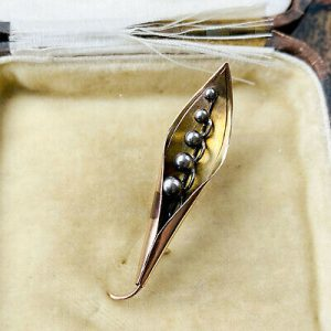 Victorian 9ct, 9k, 375 Gold 'Lily of the valley' brooch/pin Circa 1890