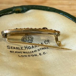 Victorian 9ct, 9k, 375 gold bohemian Garnet brooch, Circa 1890
