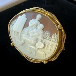 Victorian pinchbeck Cameo of an Artist and his muse, brooch, pin Circa 1860