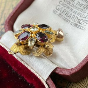 Georgian 15ct Gold Garnet & Peridot cluster quartrefoil Pendant, Circa 1830