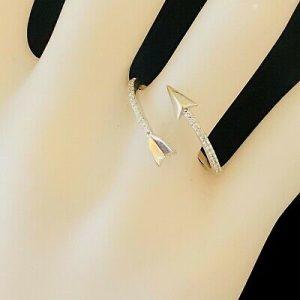 Pretty, Modern 14ct, 14k, 585 White Gold, Romantic Diamond arrow dress ring