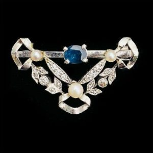 Victorian 18ct/18k,750 White Gold Diamond,Sapphire & Pearl, ribbon&scroll brooch