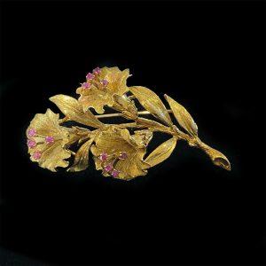 Fabulous, Vintage 18ct, 18k, 750 gold Ruby, floral brooch in original box