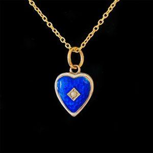 Romantic, Victorian 9ct, 9k, 375 gold enamel heart pendant on chain, Circa 1895