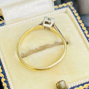 Art Deco 18ct/18k, 750 Gold & Platinum, Diamond 0.10ct Solitaire engagement ring
