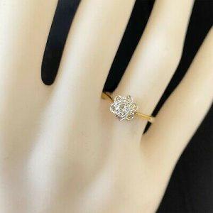 Art deco 18ct/18k, 750 Gold & Platinum & Diamond, Daisy cluster engagement ring