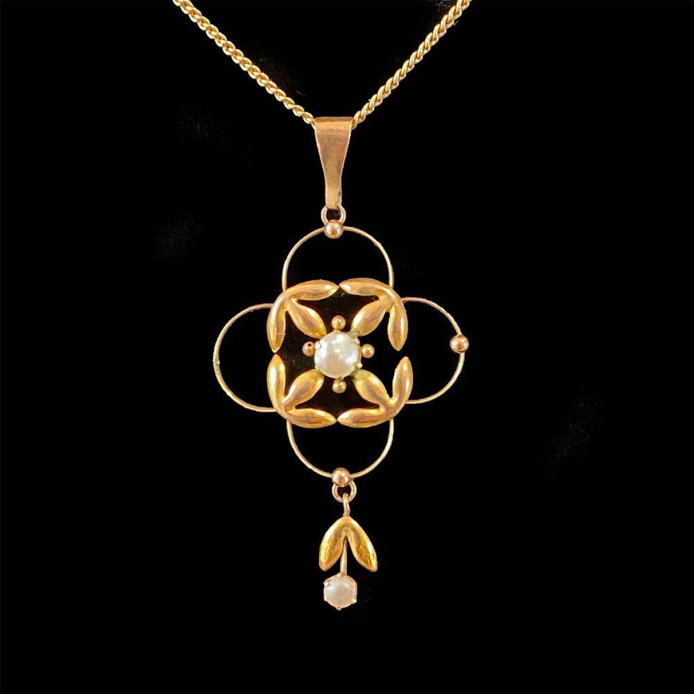 Pretty, Art Nouveau 9ct, 9k, 375 Gold Pearl Lavalier, Pendant, Circa 1895