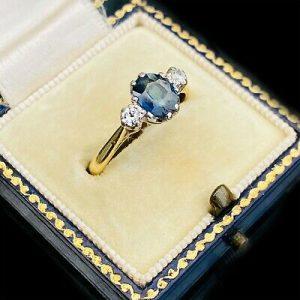 Vintage 18ct, 18k, 750 Gold Sapphire & Diamond trilogy engagement Ring, Ldn 1973