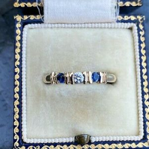 Pretty, Vintage 9ct, 9k, 375 Sapphire & Diamond stacker, dress ring
