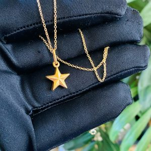 Vintage 9ct, 9k, 375 yellow gold star charm, pendant