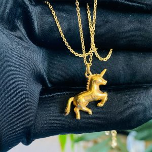 Vintage 9ct, 9k, 375 yellow gold unicorn charm, pendant