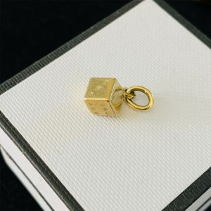 Vintage 9ct, 9k, 375 yellow gold dice, lucky charm, pendant