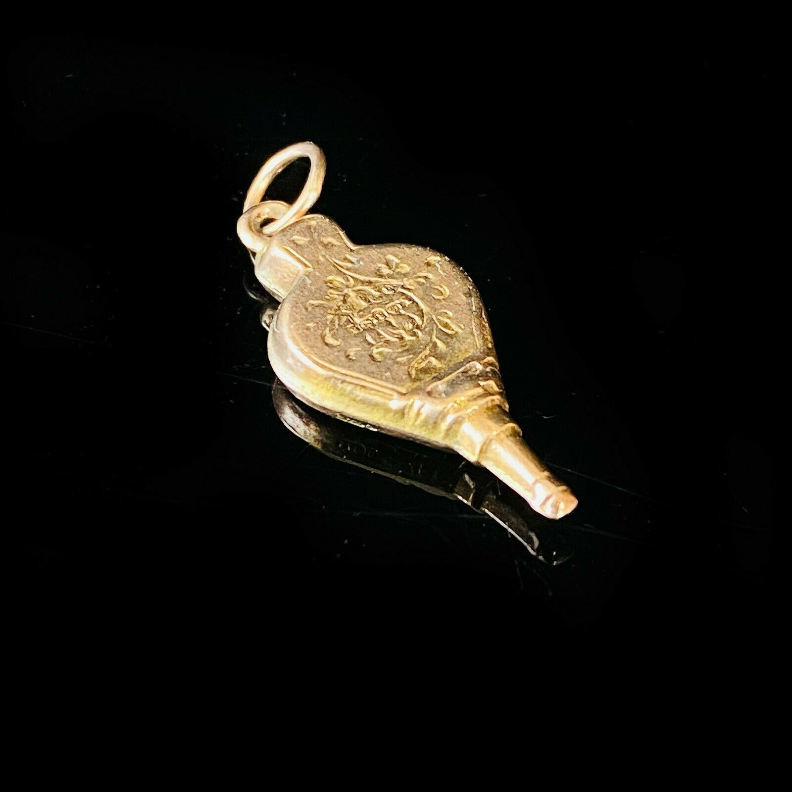 Victorian 9ct/9k, 375 rose gold engraved bellows pendant charm, fully hallmarked
