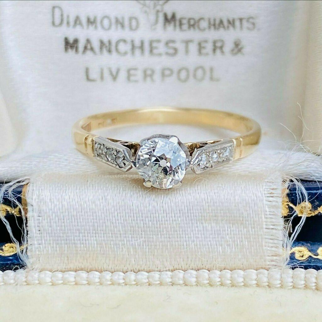 Art Deco 18ct, 18k, 750 Gold & Platinum, Diamond Solitaire engagement ring C1920