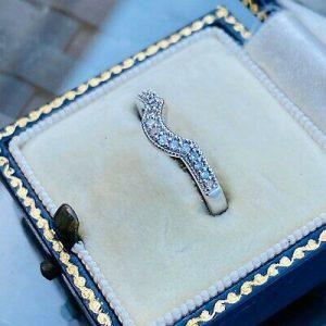 Vintage 18ct, 18k, 750 Gold Diamond curved Eternity, wedding, anniversary Ring