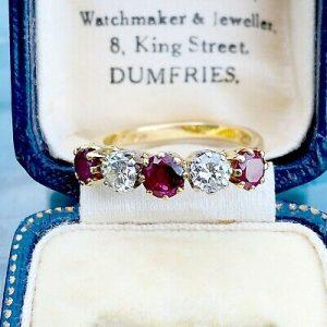 Stunning 18ct, 18k, 750 gold, Ruby & Diamond (1.36ct) five stone engagement ring