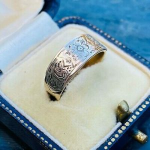 Exquisite Victorian 9ct, 9k, 375 Gold Engraved Promise, fidelity ring, Circa1880