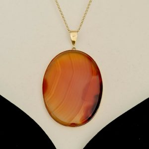 Gorgeous, Vintage 9ct, 9k, 375 gold Agate pendant by Cropp & Farr, 41mm x 69.5mm