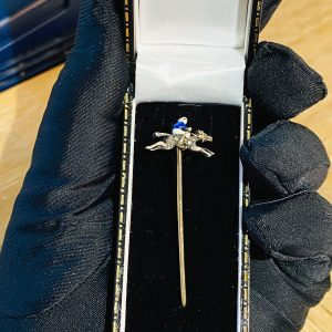 Fine, Edwardian 15ct Gold, Diamond & Enamel race horse and Jockey stick, tie pin