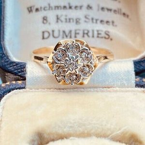 Vintage, 9ct, 9k, 375 Gold, Diamond, Daisy, cluster engagement ring, Dated 1986