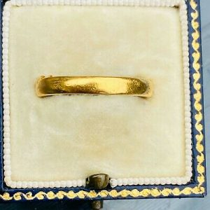 Vintage 22ct, 22k, 980 solid yellow gold & platinum, court shaped wedding ring