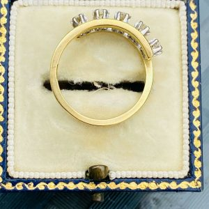 Vintage 18ct, 18k, 750 Gold Diamond 0.40ct five stone engagement ring, London