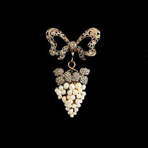 Fine Edwardian, Belle Epoque 14ct Gold Pearl & Diamond Grape vine Brooch, Circa 1901