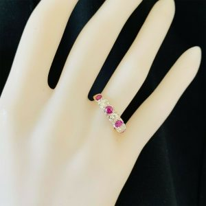 Gorgeous 18ct gold, Ruby & Diamond (0.77ct) half eternity, anniversary ring