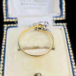 Art Deco, 18ct, 18k, 750 Gold & Platinum three stone diamond engagement Ring