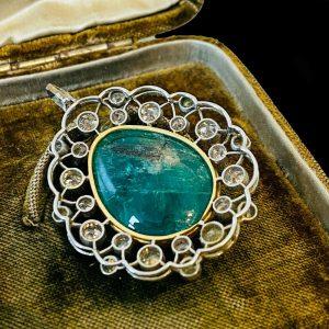 Belle Epoque, Platinum PT950, Gold Emerald & diamond pendant in original box