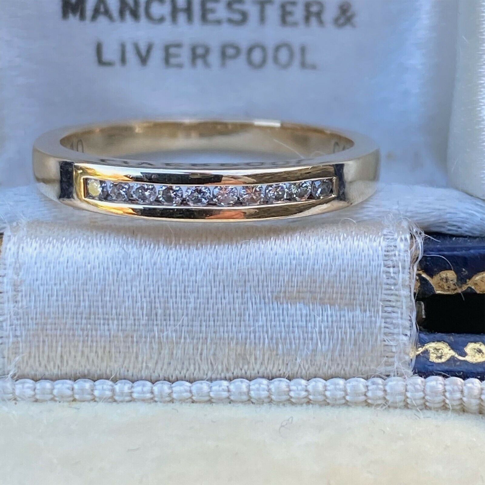 Pretty 9ct, 9k, 375 gold, Diamond, stacker, eternity ring