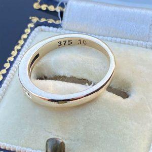 Pretty 9ct, 9k, 375 Yellow gold, Diamond, stacker, eternity ring