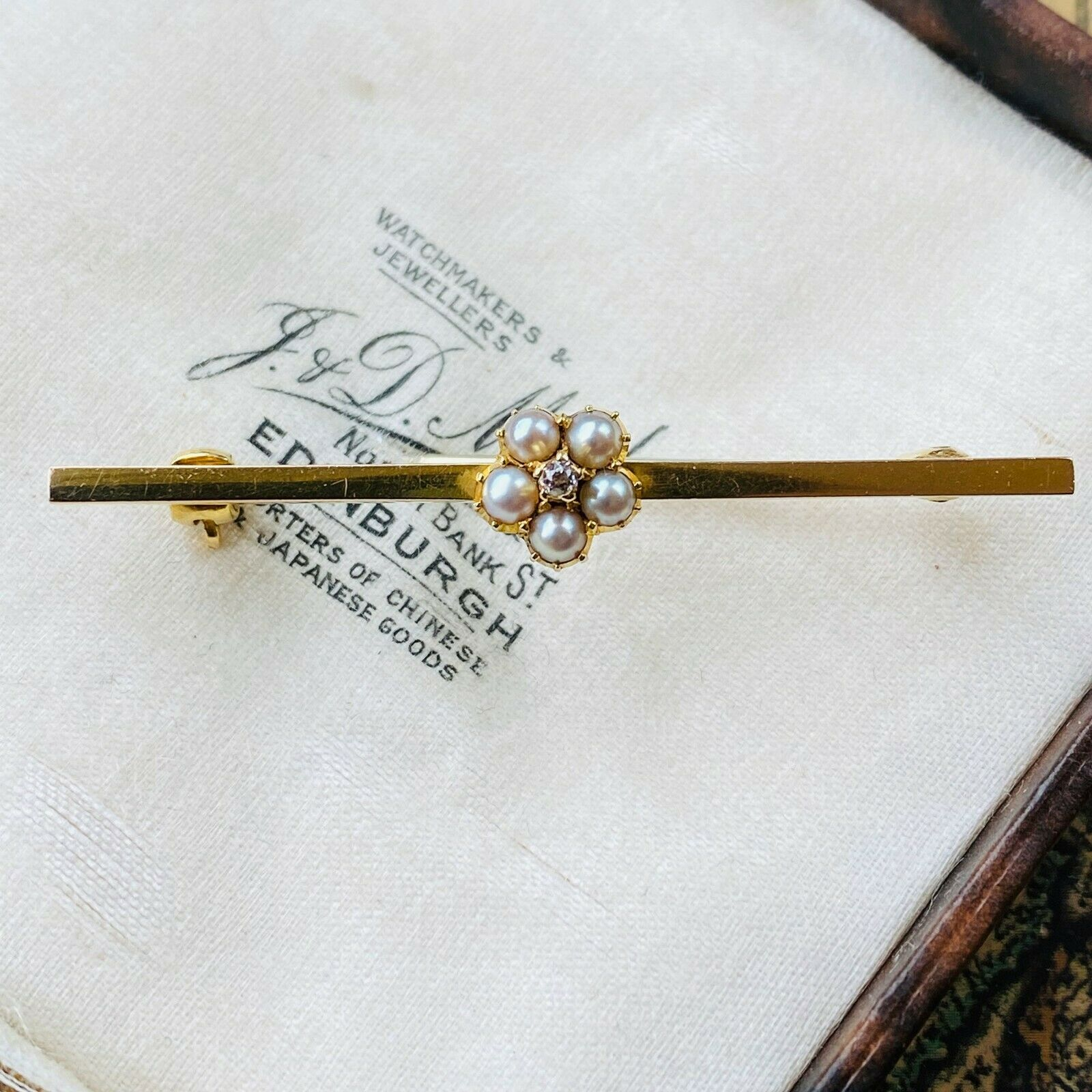 Edwardian 9ct, 9k, 375 Gold, Pearl and old-cut diamond cluster daisy, brooch/pin