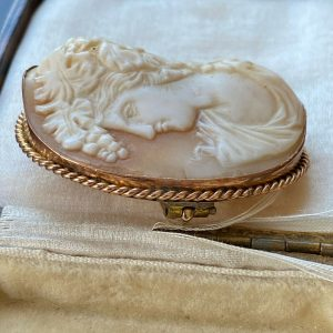 Antique 9ct, 375 Gold Bacchante classical Cameo Brooch, 42.5 x 48.5mm, C1860