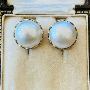 Vintage 9ct, 9k, 375 Gold Mabe, blister Pearl 15.8mm earrings, Circa 1980