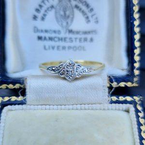 Art deco, 18ct, 18k, 750 Gold & Platinum, Diamond engagement ring, Circa 1915