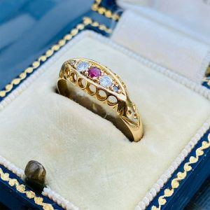 Edwardian 18ct, 18k, 750 Gold, Diamond & Ruby five stone boat ring, Chester 1914