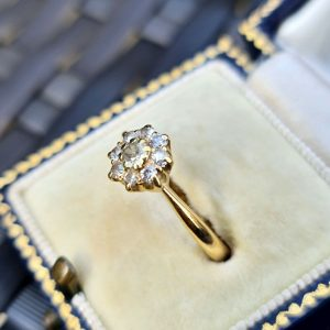 Antique, 18ct, 18k, 750 Gold Diamond (0.40ct), Daisy, cluster engagement ring